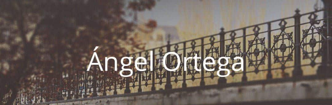 vala del puente de aranda con un arbol y sobre el las letras Ángel Ortega en blanco
